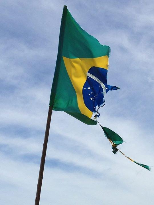 FICA CLARO QUE O PRESIDENTE NÃO TEM COMPROMISSO COM O POVO BRASILEIRO